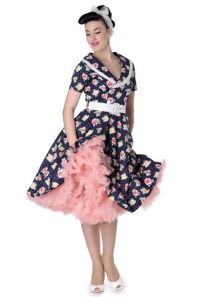 robe pin up occasion